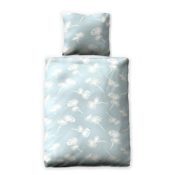Blaue Bettwäsche mit weißen Blumen